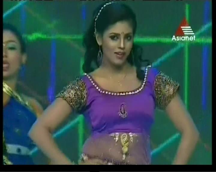 Malayalam actress ranjini hot unseen boobs squeezed - 4 5