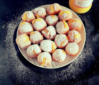 Castagnole venecianos rellenos de lemon curd
