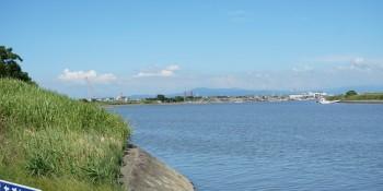 早津江川を望む