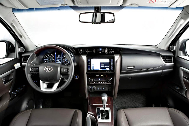 Toyota Fortuner SW4 2017 interior
