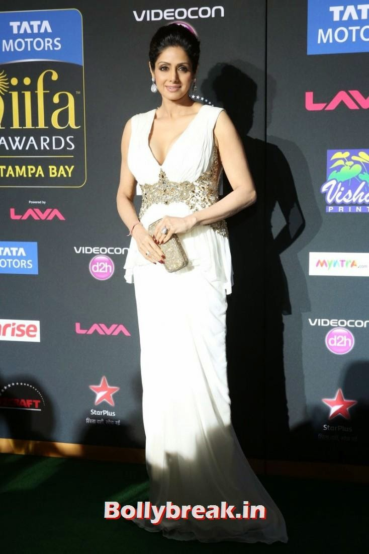 Sri Devi, Bollywood Celebs sizzle on IIFA 2014 Green Carpet Pics