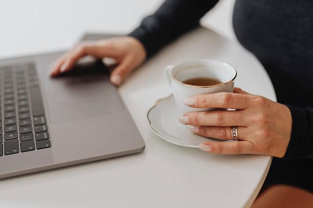 Pantaskah kamu di sebut blogger (Ngeblog, Menulis)