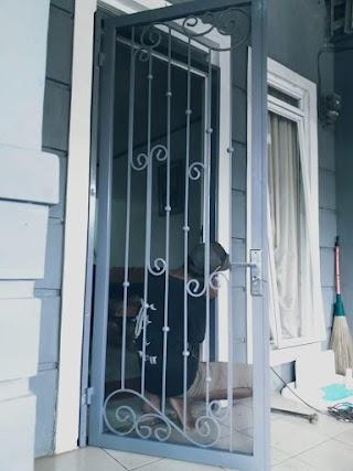 Pemasangan Pintu Kasa Nyamuk Bukit Putra Cilengsi