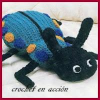 Escarabajo azul amigurumi
