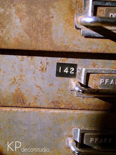 Cajonera vintage estilo industrial. Tienda de muebles estilo industrial en valencia