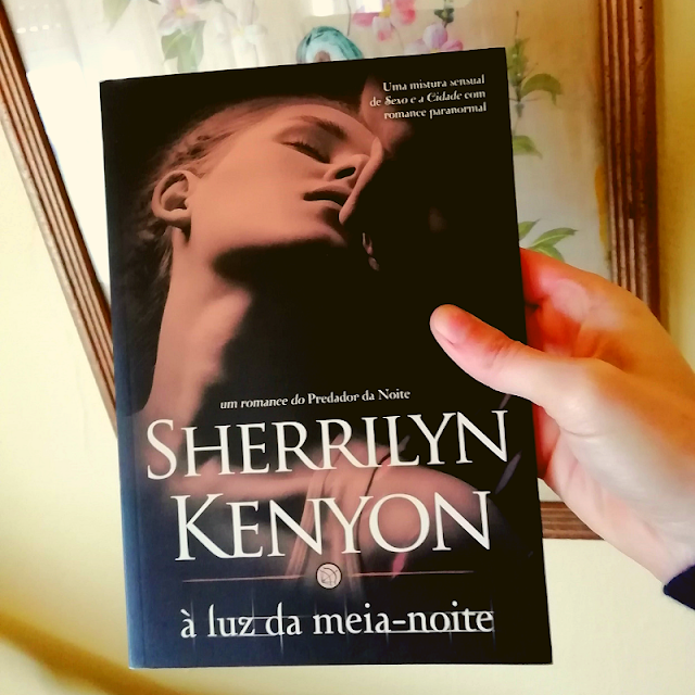 livro-À-Luz-da-Meia-Noite-Sherrilyn-Kenyon