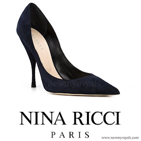 Queen-Letizia wore Nina Ricci Blue Pointed Toe Court Shoes
