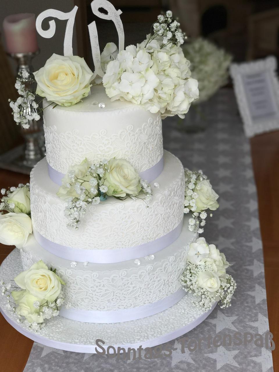 Immer Wieder Sonntags Weisse Hochzeitstorte