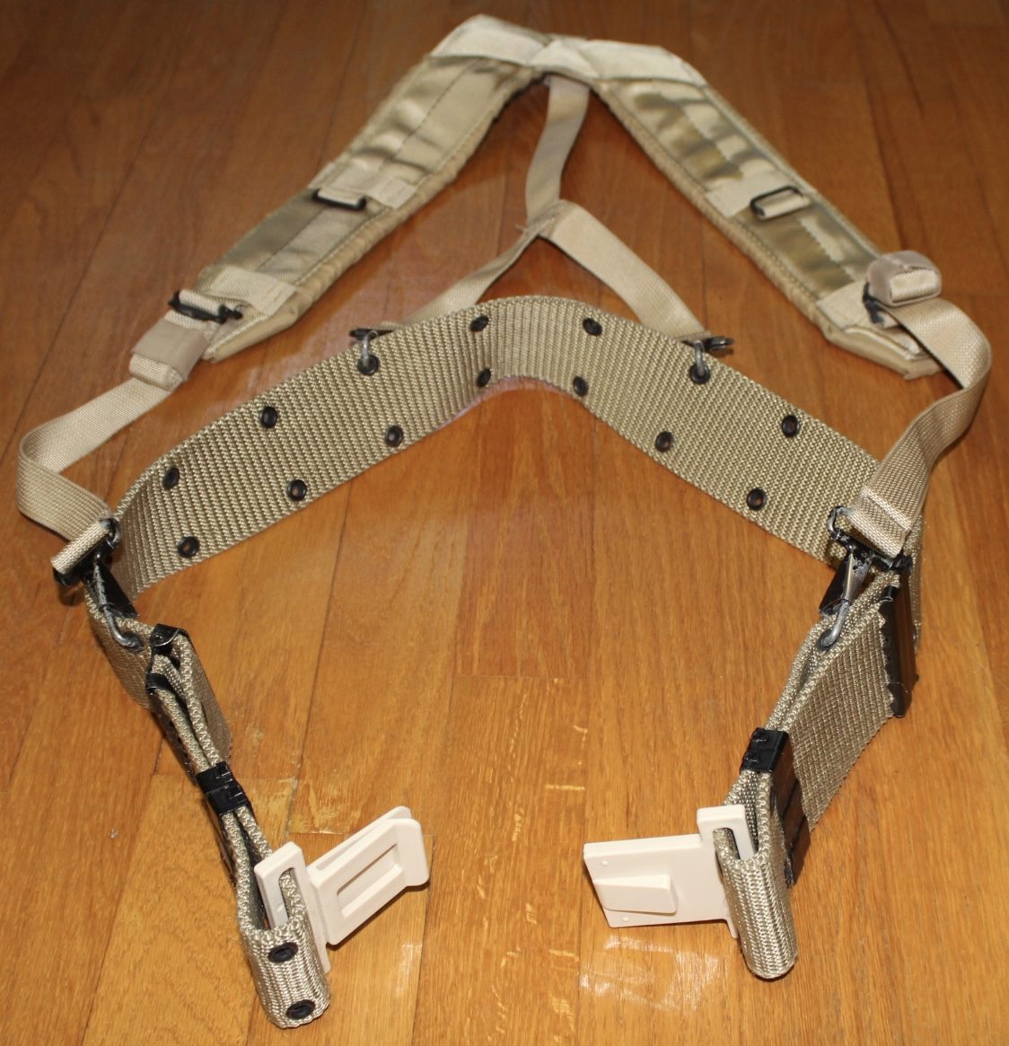 8465-00-001-6487 ~GENTLY USED~ NSN MILITARY INDIVIDUAL EQUIPMENT BELTS Large
