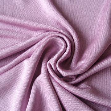 أنواع الأقمشة، الأقمشة الطبيعيّة مثل القطن، الحرير،الكتّان، الصّوف، الجلد
