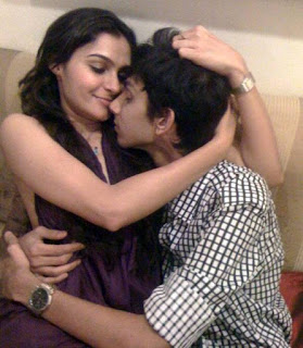 Anirudh and Andrea Leaked Photo