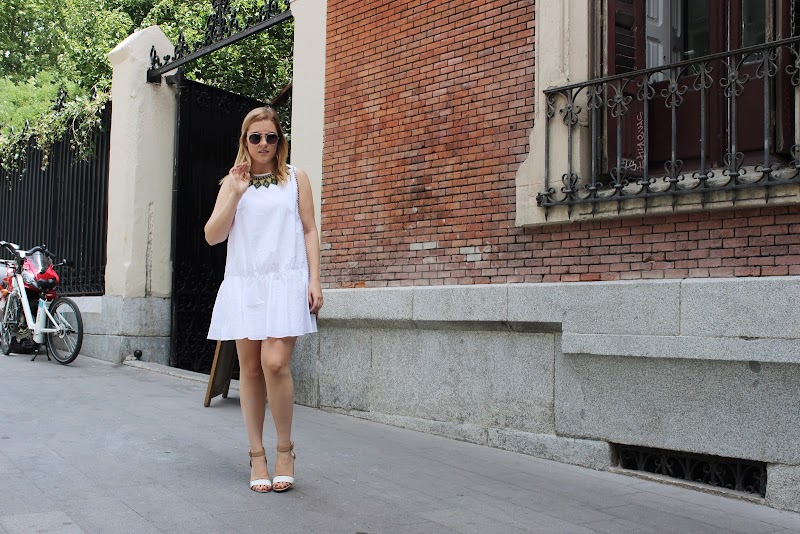 WHITE DRESS AND MEXICAN NECKLACE