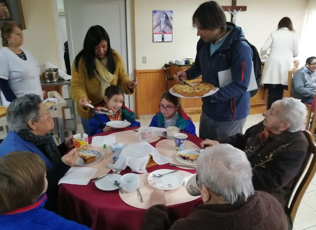 Desayuno brindado por los alumnos del Colegio Alemán