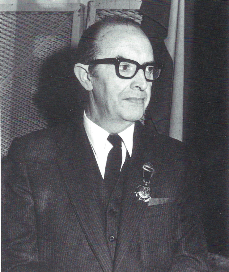 Dr. Vicente Vallina