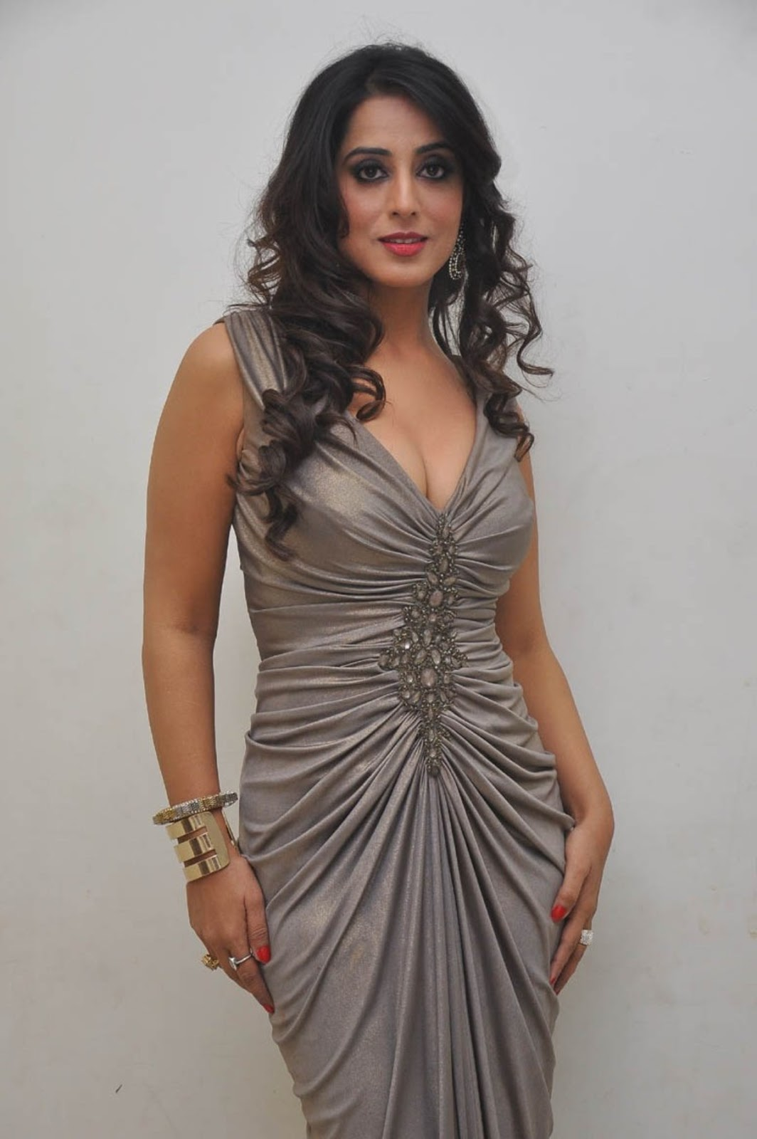 Mahie Gill Hot Gallery At Thoofan Movie Audio Launchlatest -2027