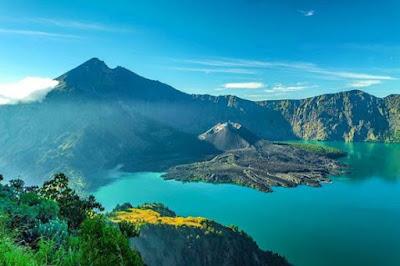 Gunung Rinjani-Wisata Alam Lombok Yang Hits Dan Populer