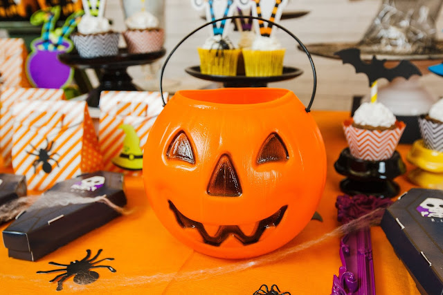 DOCES OU TRAVESSURAS? Festas de Halloween