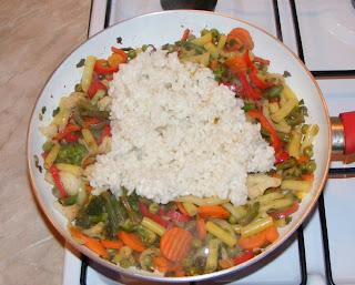Preparare legume cu orez la tigaie retete culinare,