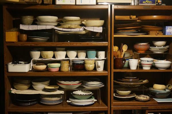 米力家的食器櫃