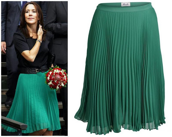 Crown Princess Mary wears Baum und Pferdgarten skirt