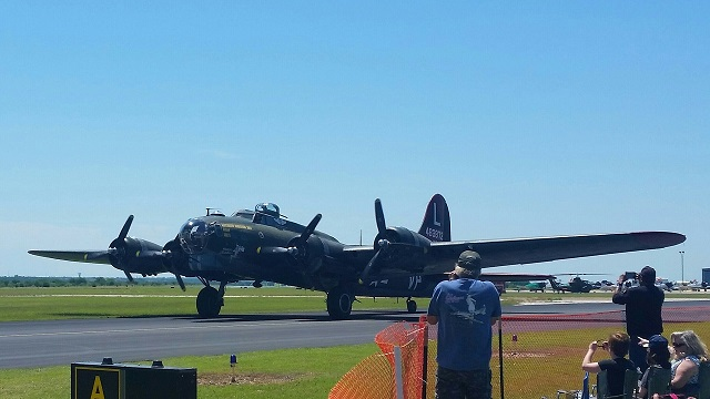 "B-17 Flying Fortress ""Texas Raiders"""