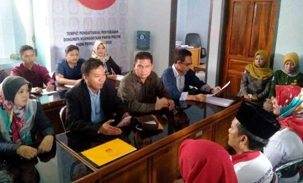 kpu majalengka mulai verifikasi partai politik peserta pemilu