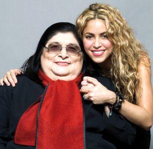 Foto de Mercedes Sosa junto a una cantante