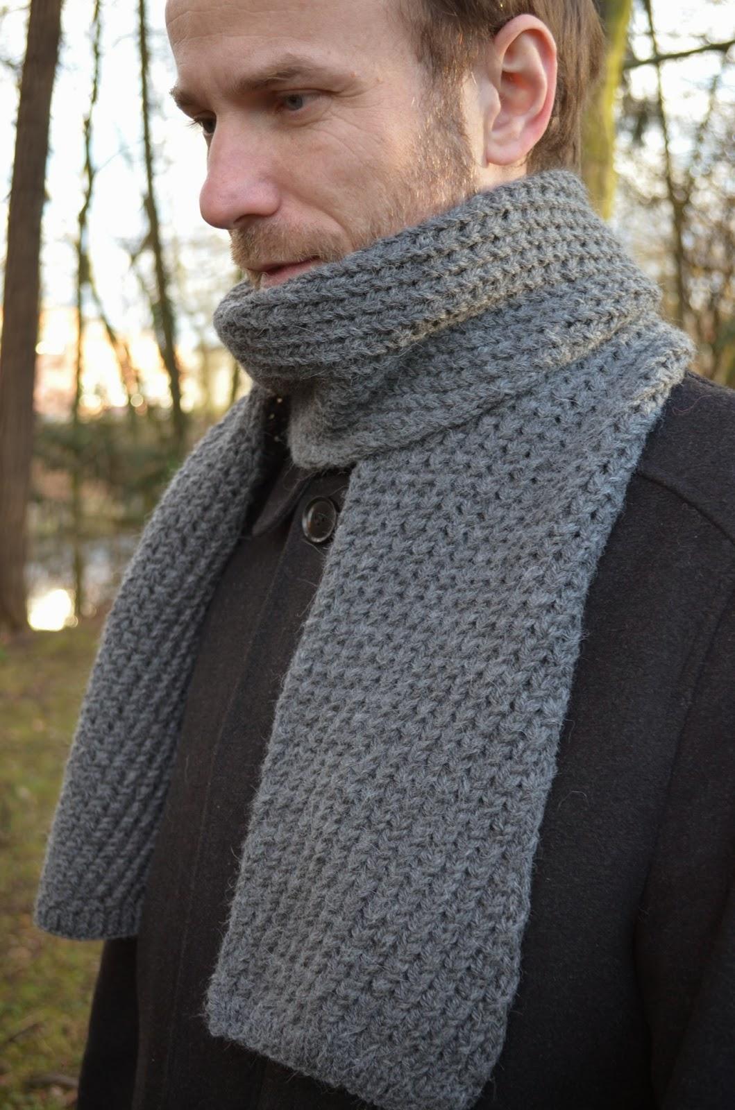 Pro muže jsem dlouho hledala šálu - copánkovou nechtěl a ani já jsem se po  pletení nekonečných copánků šály Dryad do nich nehrnula. 81b4794966