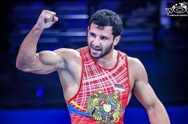 Luchadores armenios regresan con dos medallas de bronce