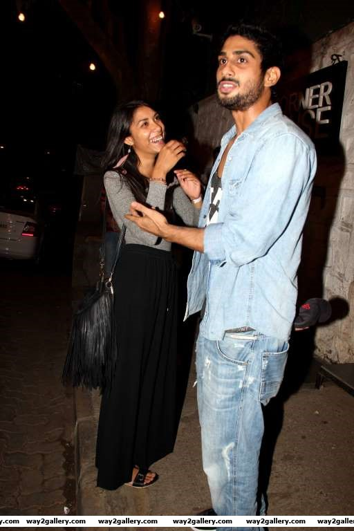 Prateik Babbar was spotted outside a Mumbai restaurant with his new girlfriend