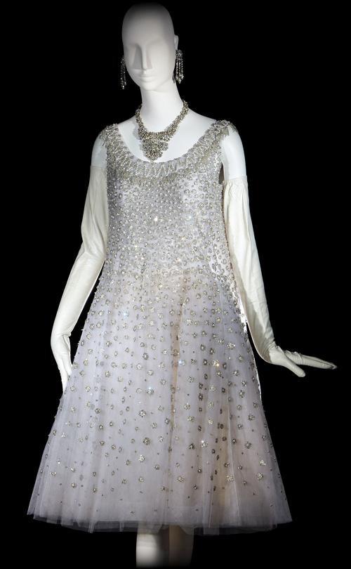 e6859233357 Yves Saint Laurent, Long evening ensemble, haute couture collection,  Fall-Winter 1976. Emerald and sable velvet bolero; peacock blue-and-gold  chiffon; ...