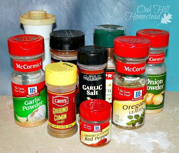 How to make your own DIY chili seasoning mix.