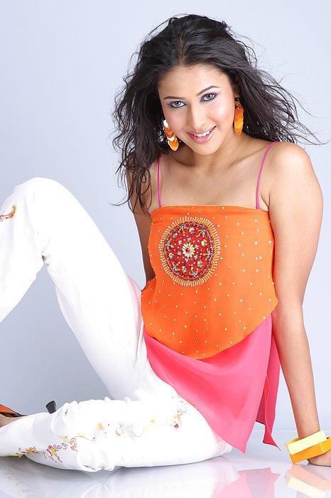 Fashion: Panchi Bora