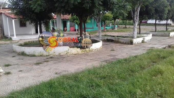 Sobral: Moradores de Várzea Redonda reclamam o descaso e abandono da pracinha