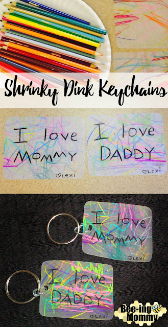 toddler crafts, DIY gift idea, shrinky dinks, shrinky dinks keychain, gift for grandma, gift for mom, gift for dad, kid gift, DIY craft, craft, shrinks dink, keychain, scribble keychain, personalized gift, personalized gift from kids