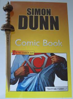 Portada del libro Comic Book, de Simon Dunn
