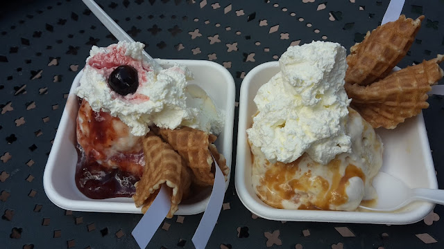 Jeni's Strawberries & Cream Sundae Gooey Butter Cake Sundae