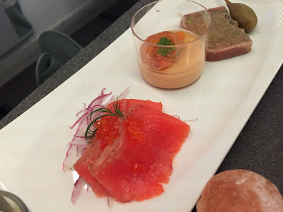 機内食:JAL国際線 JAL735 NRT-HKG ビジネスクラス (2016年4月上旬)