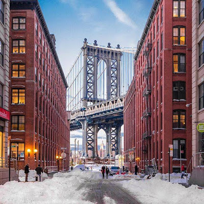 he iconic Washington Street view of the Manhattan Bridge after the blizzard in Brooklyn, N.Y., on Jan. 25, 2016. Photo by Noel Y.C.
