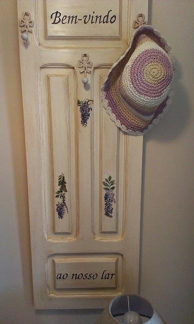 Trastos en el doblao perchero con glicinias for Como limpiar puertas de madera muy sucias