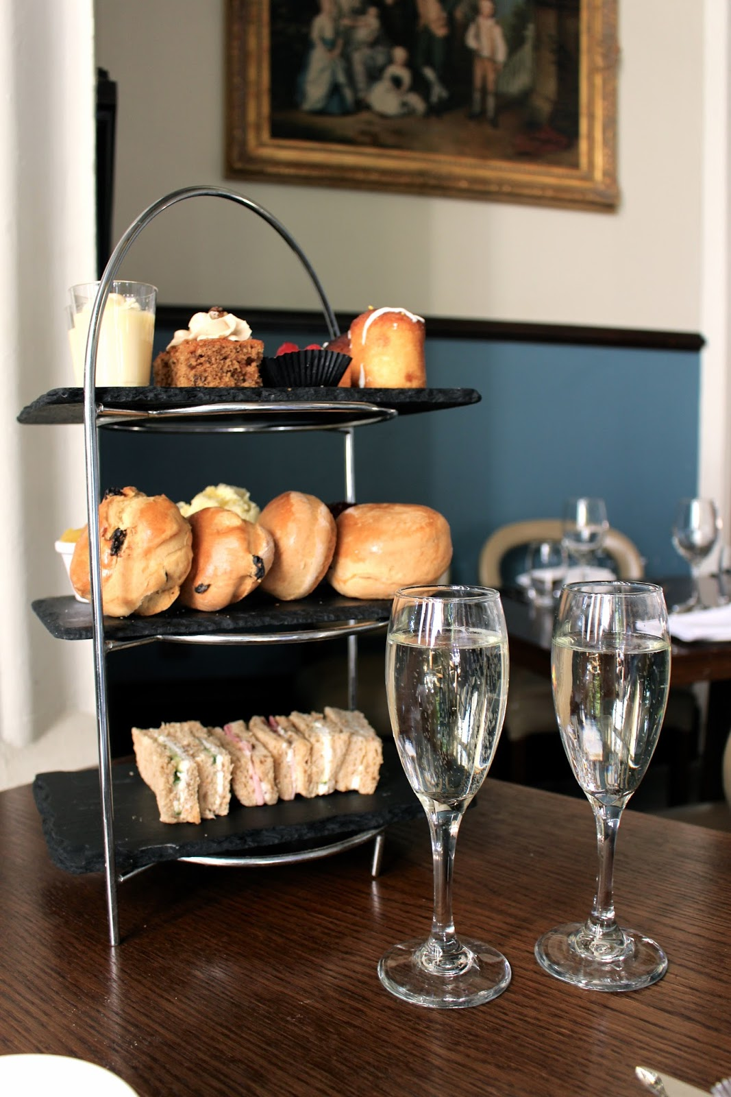 Tortwort Court afternoon tea and prosecco review