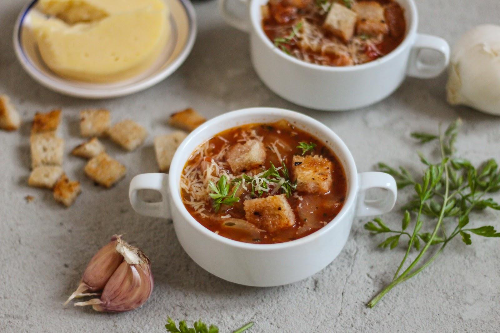 Włoska zupa cebulowa