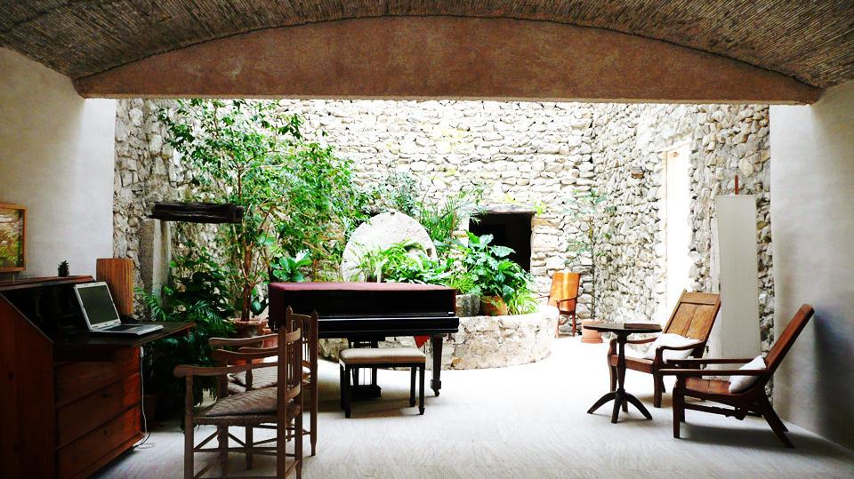 Hogares frescos impresionantes dise os de salones for Casa moderna ristrutturata