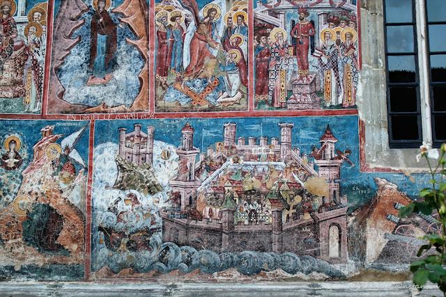 """Moldoviţa -peretele sudic exterior cu """"Cãderea Constantinopolului"""" - blog Foto-Ideea"""