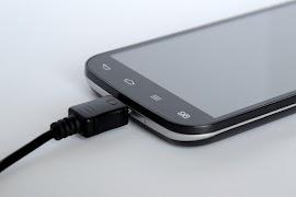 7 Kesalahan Yang Harus Dihindari Saat Mengisi Daya Smartphone Anda