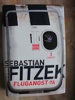 https://www.amazon.de/Flugangst-7A-Psychothriller-Sebastian-Fitzek/dp/3426199211/ref=sr_1_1?s=books&ie=UTF8&qid=1509450097&sr=1-1&keywords=flugangst+7a