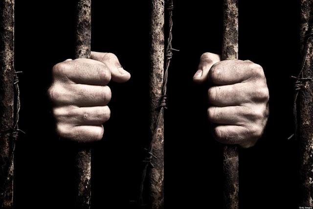nếu đem so các hình thức tra tấn trên với phương pháp biệt giam thì không thấm vào đâu.