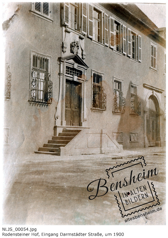 Rodensteiner Hof Bensheim, Ehemaliger Eingang (Darmstädter Straße), heute entfernt, Tür nach unten verlängert; Nachlass Joseph Stoll lfd. No. NLJS_00054.jpg, Rodensteiner Hof