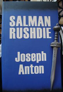 Portada del libro Joseph Anton, de Salman Rushdie