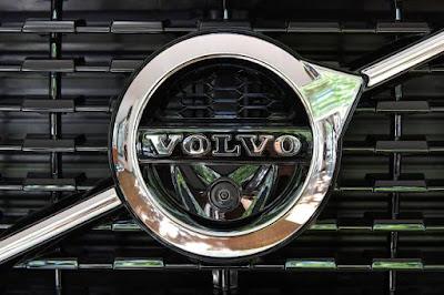 Vendas da Volvo CE sobem 24% no terceiro trimestre